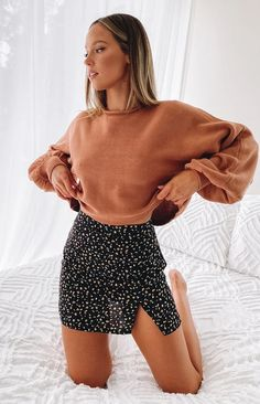 Love Of Mine Skirt Black Floral – Beginning Boutique Cute Skirt Outfits, Cute Comfy Outfits, Cute Skirts, Girly Outfits, Mini Skirts, Winter Skirt Outfit, Black Mini Skirt Outfit, Floral Skirt Outfits, Floral Mini Skirt