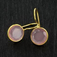 BO Round calcédoine rose - plaqué or http://www.by-johanne.com/boucles-d-oreilles/1744-bo-round-calcedoine-rose-plaque-or.html