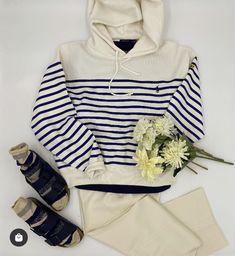 Mode Birkenstock, Mode Jeans, Tops, Women, Fashion, White Bootcut Jeans, Off White Color, Moda, Fashion Styles