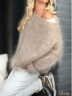 Knit Fashion, Girl Fashion, Fashion Outfits, Womens Fashion, Chunky Knitting Patterns, Knitting Designs, Sophisticated Outfits, Cooler Look, Angora Sweater