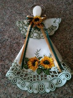 Sunflower and Green Sale Leaves Doily and Wooden Spoon Hanging Angel Wooden Spoon Crafts, Wooden Spoons, Wood Crafts, Diy And Crafts, Arts And Crafts, Doilies Crafts, Fabric Crafts, Sewing Crafts, Christmas Crafts