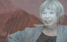 UFOLOGIA - OVNIS ONTEM: A atriz Shirley Maclaine diz ter avistado OVNI / U...