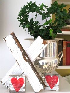 Make wooden Valentine Kisses from chippy boards - a repurpose #bHomeApp