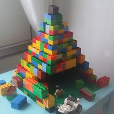 An ancient tomb or pyramid made with duplo lego.