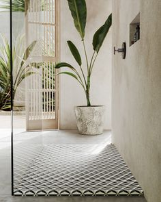 Un baño cubista para tu verano Solid Surface, Pop, Collection, Shower Trays, Trading Cards, Summer Time, Cubism, Bath, Popular
