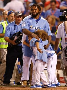 State Farm Home Run Derby: Prince celebrating his win with his kids