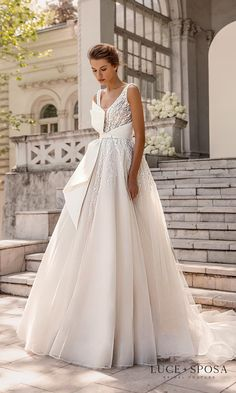 Fall Wedding Dresses, Wedding Gowns, Bridal Dresses, Wedding Cakes, Bridesmaid Dresses, Dress Body Type, Bridal Collection, Wedding Planning, Wedding Ideas