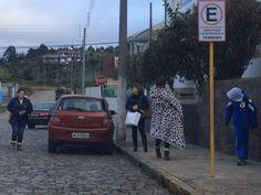 A primeira neve de 2016 em Santa Catarina foi registrada na Serra na noite desta quarta-feira, 28.A umidade elevada e a temperatura próxima a -1°C deram condições para a precipitação de pequenos flocos de neve, por alguns minutos, por volta das 21h, em Urupema e São Joaquim. As temperaturas mínimas em Santa Catarina, na madrugada ...