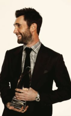 Adam Levine with the People's Choice Award for Best Band - Maroon 5