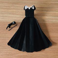 折り紙『黒いドレス』👗  参考にした折り方→YouTube 「Origami princess dress」CCTV Exclusive   黒は女を美しく見せるのよ  byオソノさん    #折り紙 #おりがみ #おりがみアート #折り紙アート #折り紙作品 #折り紙ワンピース #折り紙のドレス #黒いドレス #ドレスの折り紙 #折り紙ドレス #可愛い折り紙 #かわいいおりがみ  #origami #origamiart #paperfolding #origamifun #paperwork #origamidress #origamiprincess #종이접기 #折纸 #摺紙 #оригами #พับ Youtube, Youtubers, Youtube Movies