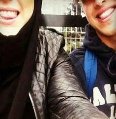 Image about love in Hijab/Niqab by Une Rebelle Dans L'Ame Romantic Things, Most Romantic, Cute Muslim Couples, Cute Couples, Hijab Niqab, Family Kids, These Girls, Comfortable Fashion, Cute Love