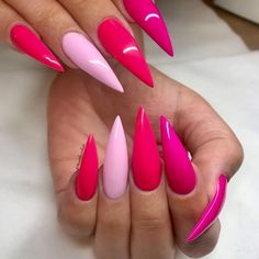 Get your pink on! Pink to the max set by YN distributor @nathcohen @youngnailssweden Trend Trendy Nails Makeup Beauty Party Style