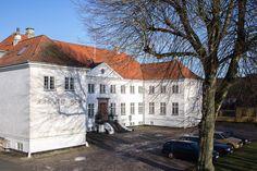 Holbæk Slots Ladegård, tidligere hovedgård ved Holbæk