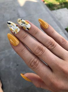 Yellow Mustard Black White Abstract Press On Nails, Fake Nails, Luxury Nails, Press On - Nail Art Bright Summer Acrylic Nails, Best Acrylic Nails, Summer Nails, Perfect Nails, Gorgeous Nails, Pretty Nails, Yellow Nails Design, Yellow Nail Art, Red And White Nails