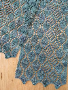 Madrona Lace Scarf pattern by Evelyn A. Clark Free Madrona Lace Scarf by Evelyn A. Lace Knitting Stitches, Lace Knitting Patterns, Lace Patterns, Free Knitting, Knitting Tutorials, Knitting Machine, Stitch Patterns, Crochet Lace Scarf, Knitted Shawls