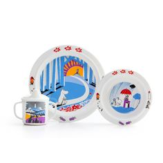 The Book about Moomin, Mymble and Little My - Tableware set  Durable kids dinnerware in scratchproof melamine plastic with motifs of Mumin.Praktisk anti-slip ring for the cup and the flat plate. Deep plate with suction cups and spill-proof cup with handle.