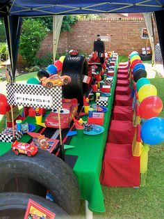 Disney Cars Birthday Party is a great party theme, find awesome party ideas, games and party favors here Transportation Birthday, Race Car Birthday, Race Car Party, Birthday Table, 3rd Birthday, Birthday Ideas, Disney Cars Party, Disney Cars Birthday, Car Themed Parties