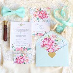 Коралловые приглашения на свадьбу