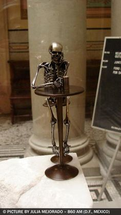 "From ""208 OSEOsidades"" by Saúl Hernández. Hehe. #sculpture #skeleton #drinking"