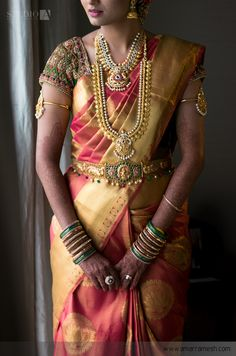 Well-liked Pink Colored Soft Silk Saree with Matching Color silk Blouse. It contained of Printed. The Blouse which can be customized up to bust size This Unstitch Saree Length mtr including mtr Blouse. Bridal Blouse Designs, Saree Blouse Designs, Blouse Patterns, Saree Jewellery, Gold Jewellery, Bridal Jewelry, India Jewelry, Antique Jewellery, Jewellery Designs