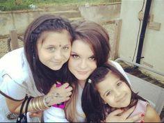 Safaa,Doniya and a cousin.<3    >>>> Safaa looked so young!