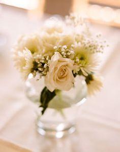 WeddingChannel Galleries: Loose White Centerpiece