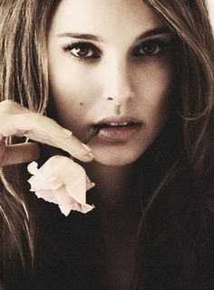 Whens the last time you really looked at Natalie Portman? She's seriously gorgeous.