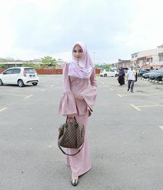 Dress Brokat Muslim, Kebaya Muslim, Muslim Dress, Street Hijab Fashion, Abaya Fashion, Muslim Fashion, Kebaya Hijab, Hijab Dress, Casual Hijab Outfit