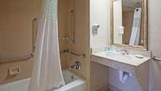 Hampton Inn Wausau Hotel, WI - Accessible Tub
