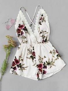 Shop Lace Panel Open Back Floral Cami Romper online. SheIn offers Lace Panel Open Back Floral Cami Romper & more to fit your fashionable needs. Teenage Outfits, Teen Fashion Outfits, Outfits For Teens, Girl Outfits, Cute Casual Outfits, Cute Summer Outfits, Jugend Mode Outfits, Jolie Lingerie, Jumpsuit With Sleeves
