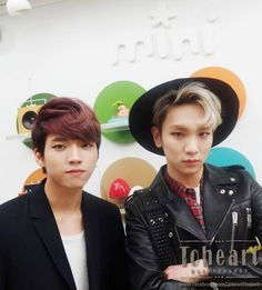 [PICS] 140325 ToHeart Official Facebook Update - #ToHeart at MBC Radio Station #3 - Woohyun and Key pic.twitter.com/obOfhVSQK8