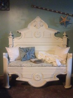 Antique bed repurposed into a gorgeous day bed bench, great in an entry/foye. Antique bed repurposed into a gorgeous day bed bench, great in an entry/foyer, sunroom, cozy no Bench Furniture, Refurbished Furniture, Repurposed Furniture, Furniture Projects, Furniture Makeover, Home Furniture, Furniture Design, Automotive Furniture, Automotive Decor