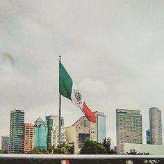 #fotógrafo #zona de #hoteles #frommywindow #chapultepec #polanco  #campomilitar #cdmx🇲🇽 #auditorionacional #segundopiso #flag  #bandera #mexico #pic #urbano #urban #arteorito #foto #pics #visitmexico #arte #photographer #edificios #fotografia #art #city #ciudad #scapeview #arquitecturamx #cityscape