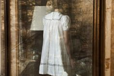 White window (two heads). Anni Leppälä
