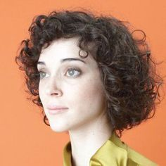 LP-version comes with MP3 download coupon. Two years ago, Annie Clark's recorded debut as St. Vincent, Marry Me, gave immediate notice that a dizzying new talent had emerged from the flatlands of Texa