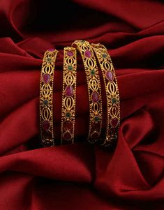 Sea Glass Jewelry, Jewelry Art, Gold Jewelry, Jewelry Design, Jewlery, Kundan Bangles, Gold Jhumka Earrings, Silver Bracelets, Bangle Bracelets