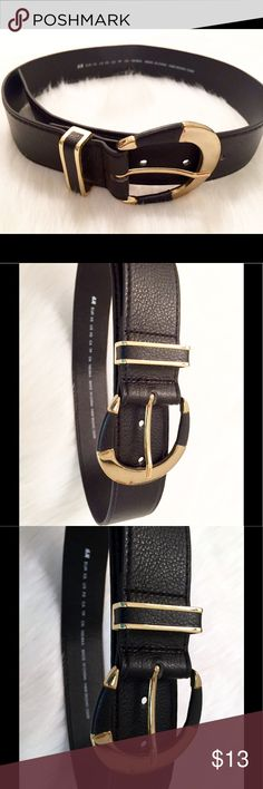 "H&M Belt Black belt with gold hardware by H&M. Size xs. Measures 31 1/2"" Long. Brand new, never worn. H&M Accessories Belts"