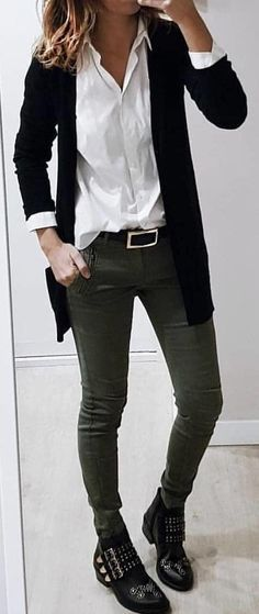 #spring #outfits black blazer and gray jeans. Pic by @high_5_to_fashion
