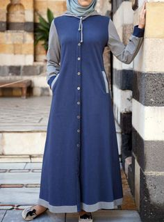 This is cute and sporty! I can imagine wearing this during a cold winter.