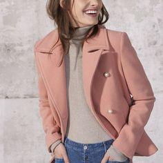 Perfeito para a meia estação, o casaco vai bem com tudo! Desde looks mais básicos como camiseta e calça jeans, até um bom vestido social. Aposte! 💋 #canalconcept #canalançamento #inverno18 #fw18