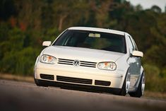 Volkswagen Jetta, Volkswagen Golf Variant, Vw Golf Variant, Vw R32 Mk4, Indoor Mini Golf, Vw Golf Mk4, Golf 4, Modified Cars, Golf Carts