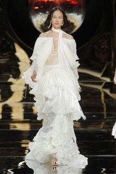 Vestidos de novia con hombros caídos 2017: ¡Para novias muy elegantes! Image: 24