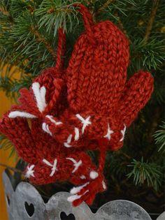 Lapanen, punainen - Emma's & Mama's shop Christmas Ornaments, Holiday Decor, Shopping, Home Decor, Xmas Ornaments, Decoration Home, Christmas Jewelry, Christmas Ornament, Interior Design