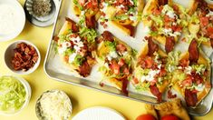 Somewhere between a puff pastry tart and a personal pizza you'll find these cheesy, puffy bites of bacon-y magic. Pizza Tarts, Pizza Pasta Salads, Pizza Snacks, Pizza Flavors, Pizza Recipes, Dog Food Recipes, Snack Recipes, Puff Pastry Dough, Pizza