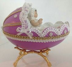 Egg Crafts, Easter Crafts, Hobbies And Crafts, Arts And Crafts, Emu Egg, Egg Shell Art, Carved Eggs, My Life Style, Faberge Eggs