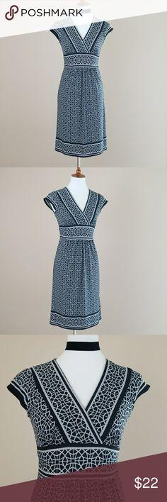 Jodi Kristopher Black & Gray Vneck Dress Black and gray vneck dress from Jodi Kristopher. Ties in back. Cap sleeves. Laying flat chest measuress 16'. Waist 13'. Total length of dress is 37'. 100% Polyester Jodi Kristopher Dresses