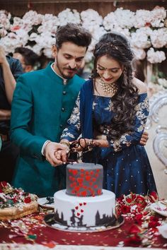 Hire AJ Photography as Your Wedding Photographer in Rajkot For Some stunning Wedding Clicks Indian Wedding Poses, Indian Wedding Couple Photography, Indian Wedding Photographer, Creative Wedding Photography, Wedding Pics, Indian Engagement Photos, Wedding Photoshoot, Aj Photography, Asian Bridal Dresses