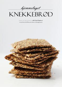 Knekkebrød Cheese Naan Recipes, Viking Food, Stuffed Portabello Mushrooms, Pumpkin Cinnamon Rolls, Homemade Crackers, Pizza, Rolls Recipe, Culinary Arts, Salad Recipes