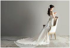작가주의 감성사진을 추구하는 새로운 웨딩화보 1 Studio, Wedding Dresses, Fashion, Bride Dresses, Moda, Bridal Gowns, Fashion Styles, Weeding Dresses, Studios
