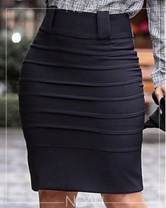 Saia lápis preta   Moda Evangelica e Executiva Fashion Dress Up Games, Fashion Outfits, Womens Fashion, Office Gown Styles, Office Skirt, Latest African Fashion Dresses, Jumpsuit Outfit, Business Attire, Couture Dresses